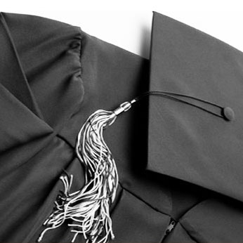 Cap And Gown Complete Outfit 5-6 To 5-8 (SKU 1050557136)